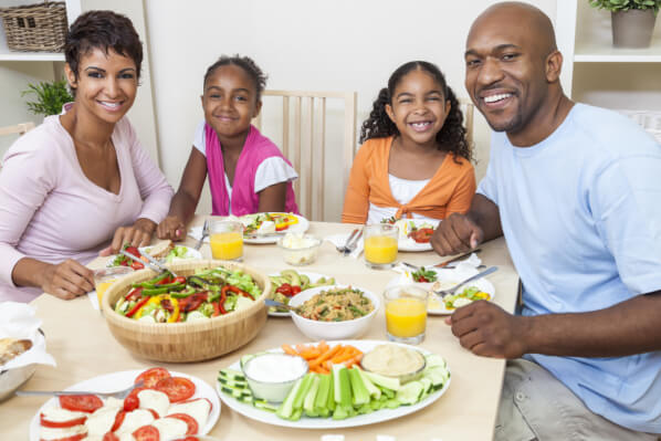 home-activities-that-strengthen-family-bonding-with-your-children